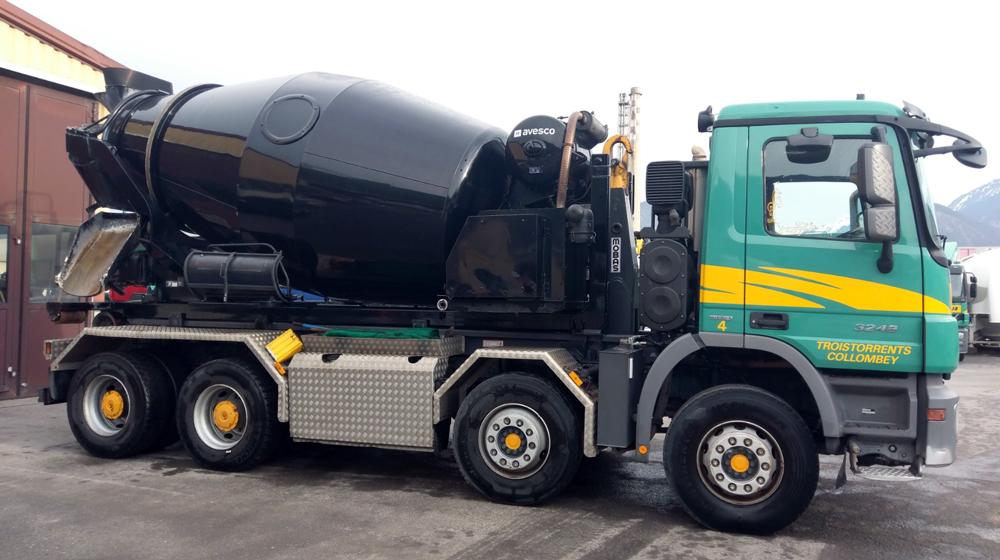 Transport de béton avec malaxeur et transport de ciment avec semi citerne