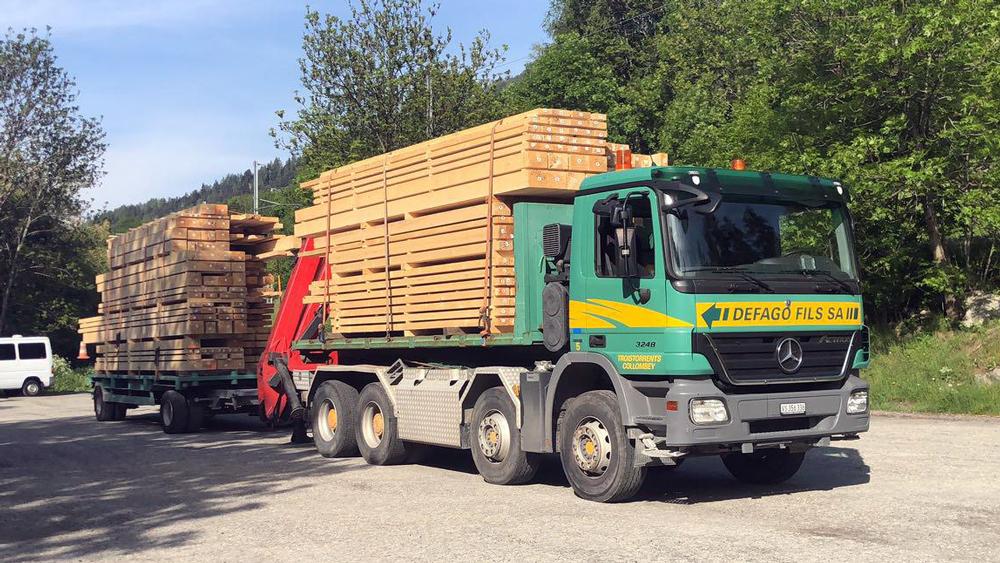Transport camion grue 2 et 4 essieux