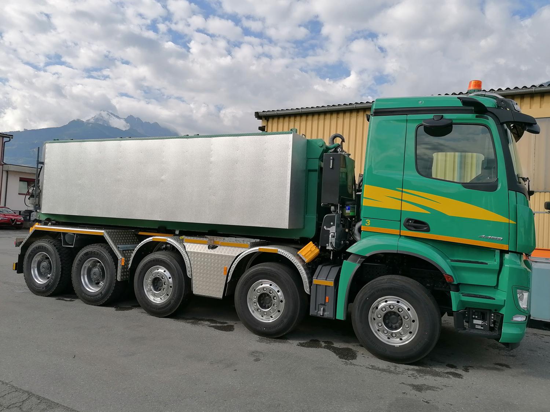 Camion de transport d'enrobé